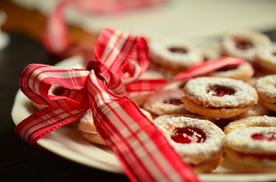 christmas-kitchen-cakes