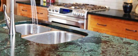 Green kitchen worktops