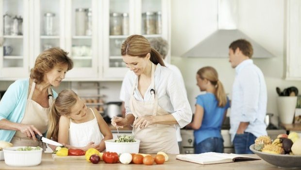 Why Solid Wood Worktops Are the Best Choice For a Family Kitchen