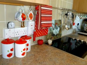 When we think of retro kitchens, bright, vibrant colours often spring to mind.